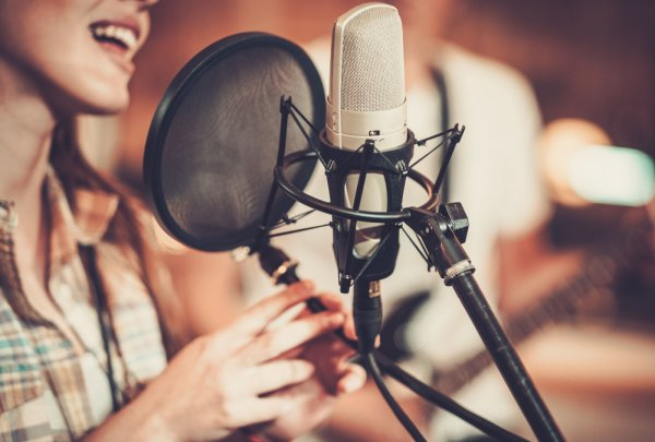 A Professional Singer's Guide to a Healthy Voice